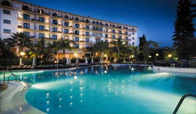 Golf holidays andalucia andalucia plaza hotel marbella - Hotel h10 andalucia plaza marbella ...