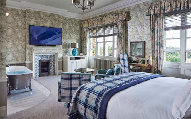 Golfing Holidays England Golf Breaks South Lodge Country House Hotel - Country house hotel interiors