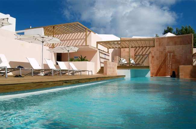 Golf holidays bermuda golf in bermuda pga grand slam of golf for Hotels in cambridge with swimming pool