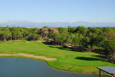 Golfing holiday Sueno Golf Course   Dunes lake fairway